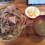 30994404 - 肉丼 800円