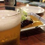 つるの屋 - まずはビールです