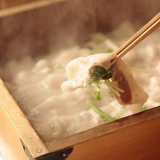 鉄板焼き・アラカルトなど…お料理も豊富
