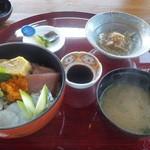 馳走家 こいこい本店 - 海鮮丼御膳:2014/9