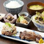 御飯屋  おはな - 糸島セット2000円地元伊都国地鶏の炭火焼と牛ロースのセット