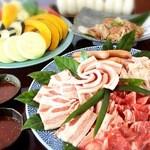 御飯屋  おはな - 2500円BBQ牛、豚、地鶏、焼き野菜、おにぎりのセットです(ドリンク別)