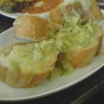 レストラン パブロ - ネギのバターソテー パンを添えて