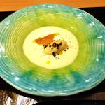 31001156 - ランチアミューズ:フォアグラのムース、三杯酢のゼリー、クリームボタージュ