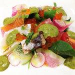 31001170 - ランチ前菜:炙った秋刀魚と鯛、サーモンと色々野菜、白味噌と梅干と大葉のソース
