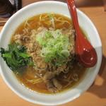 肉肉ラーメン - 肉肉ラーメン(タレ味・特盛) 680円