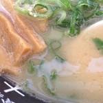 31002138 - 大黒やらーめん 亀岡店の鶏そばのスープ(13.05)
