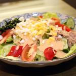 居酒屋 田中 - 特製サラダ 700円