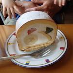 菓子工房クローバー - 料理写真:フルーツロール(2014.05)