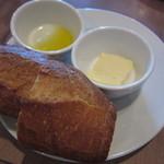 31008839 - サラダランチのパン。