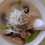 猪苗代湖畔のレストラン 中国料理 西湖 - 会津地鶏ラーメン(真上)
