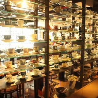 2000客以上のコーヒーカップから好きなカップでコーヒーを!