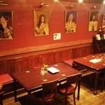 キング ジョージ - テーブル席