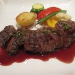 3102879 - 和牛前脚肉のグリエ、赤ワインソース