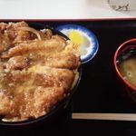 西町食堂 - 料理写真:カツ丼¥750