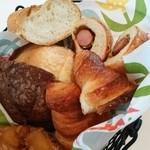 31026521 - テンション上がる!!かごいっぱいのパンたち♪