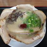 31027375 - 豪快チャーシュー麺(久留米の龍) 960円