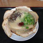 31027379 - 豪快チャーシュー麺(久留米の龍) 960円
