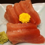 季節料理くら井 - 生マグロ 中トロ680円 これも美味い ここはホント刺身が美味い