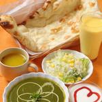 ウパハル - ハートマークがかわいらしいカップルセットは女性に人気です。