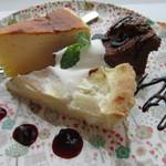 3rd フロア - チーズケーキ、ガトーショコラ、追分の幸水を使った梨のタルト