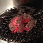 快 - 七輪で焼きます。やっぱり炭がよいですね。