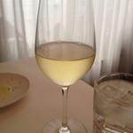 31035552 - 白ワインも飲んじゃいました。