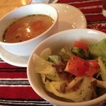 31044048 - サラダと野菜スープ