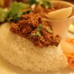 カレー食堂 リトル・スパイス - 料理写真:キーマカレー御飯に乗せて