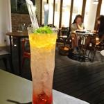 ジンナンカフェ - 柚子茶ソーダ