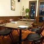 エス小林 - テーブル席