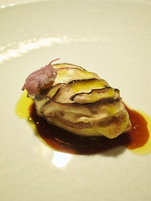 レストラン トエダ - フォアグラとオニオン、椎茸のガトー仕立て