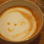 トモチェカフェ - ホットのカフェラテ