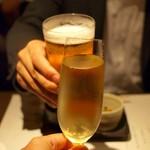喰心-meat Dining- - スパークリングワインと生ビールで乾杯