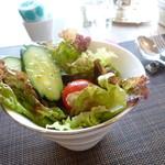 リナジェムス - ドレッシングがサッパリしているサラダ