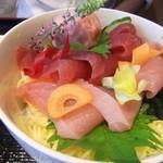 31061312 - まぐろづくし丼(1800円)