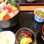 31061321 - 海鮮丼(1500円)