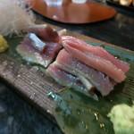 31061630 - 秋刀魚刺身 肝醤油で