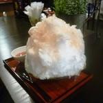 しんじろう - 桃のかき氷