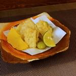 旬魚菜 正や - 揚物:河豚、子持ち昆布、揚げ銀杏
