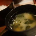 炭火居酒屋 炎 - 味噌汁、メシ