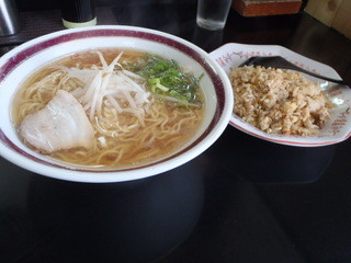 蓬莱 - チャーハンセット 700円
