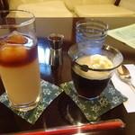野の亀蔵 - キャラメルアイスカフェオレ500円、珈琲ゼリー450円