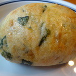 Boulangerie Chez FaFa - ・自家製チキンとほうれん草(260円)