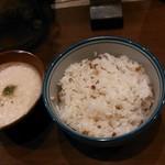 31085438 - 定食のトロロと麦飯