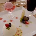 カフェウミトソラノアイダ - ケーキセット