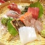 海幸 - お造り盛り合わせ、焼き鯖美味しかった!!