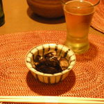 オーパス ワン - 青島ビール、しじみの醤油漬け