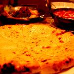 インド村 - チーズナン