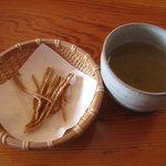 3109903 - 揚げ蕎麦と蕎麦茶